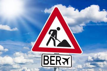 Schild mit Baustelle und BER