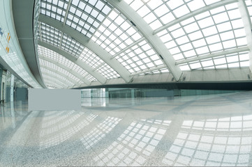 Foto op Plexiglas Luchthaven interior of the modern mall of beijin airport subway station