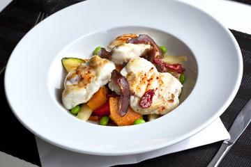 Lotte, poisson, plat cuisiné, cuisine, aliment, légumes