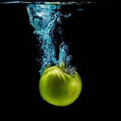 Printed roller blinds Splashing water Green apple and water splashing
