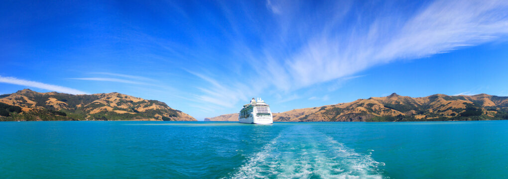 Panoramic view from the banks of Akaroa at the ship anchored