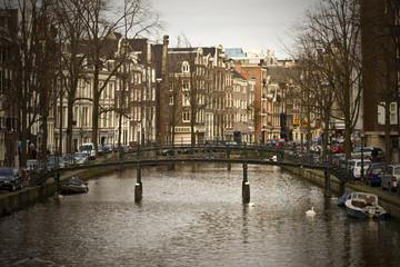 Amsterdam, Ponte su canale