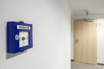 Haus-Alarm Druck Melder im Treppenhaus