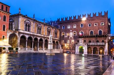 Photo sur Aluminium Artistique Piazza dei Signori, Verona