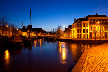 Wall Mural - ships on canal in Groningen at night