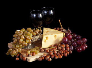 Grapes and cheese with wine
