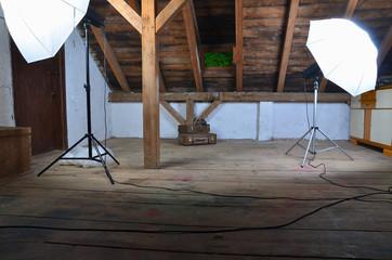 Fotostudio in einem alten Dachboden