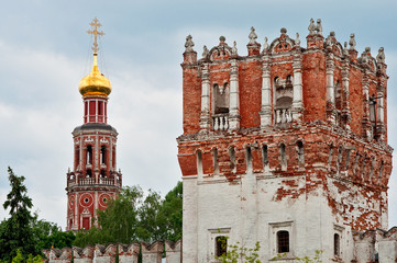 Fototapete - Novodevichy Monastery bell-tower and wall tower