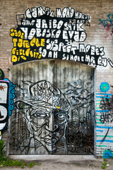 Graffiti sur porte