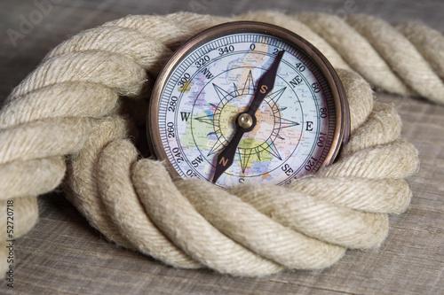 Fototapete Maritime nautische Dekoration mit Tauwerk und Kompass