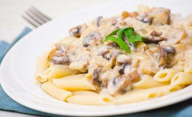 penne pasta with mushroom sauce