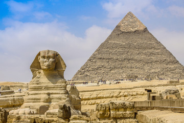 Fotobehang Egypte Sphinx and the Great Pyramid in the Egypt
