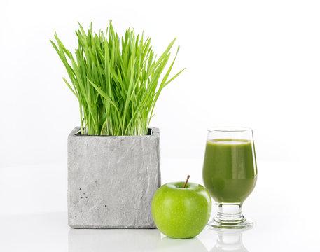 Wheatgrass, apple and green juice
