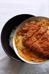 Japanese cooking, Tonkatsu with egg on pan
