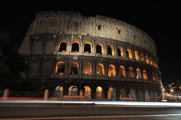 Colosseo Roma  notte