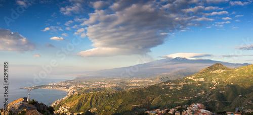 Fototapete Panorama of the Etna and the sicilian coastline