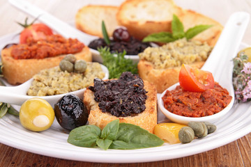 assorted of toast with tapenade