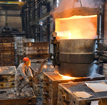Industriearbeiter Gießerei // Industrial workers in Foundry