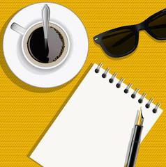 bloc notes - écrivain -  journaliste - écrire - vue du dessus - tasse de café