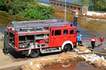 Feuerwehreinsatz beim Hochwasser in Magdeburg