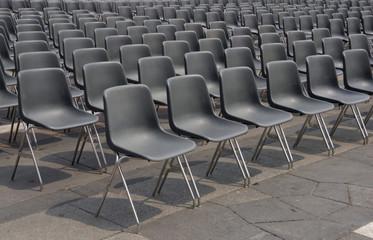 fila di sedie