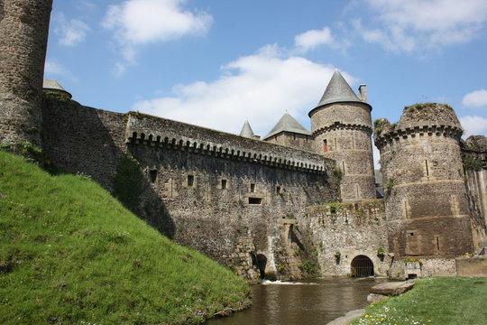 remparts château de fougères