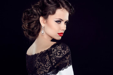 lace,guipure,looking,diamond,eyes,lips,red,head,neck,retro,luxur