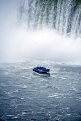 Wall Mural - Niagara Boat Tour