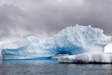Printed kitchen splashbacks Glaciers Blue ice in Antarctica
