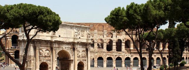 Am Kolosseum in Rom