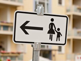 Schild - Hinweiss für Fussgänger