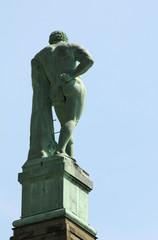 Herkules von hinten