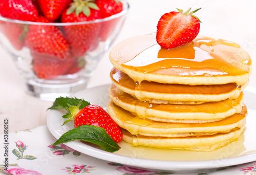 стопка блины фрукты ягоды загрузить