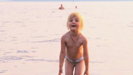 Миленькая девочка видео фото 540-31