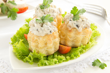 vol-au-vent with mushroom and chicken