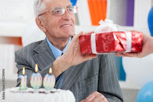 Подарок мужчине на день рождения, Что подарить мужчине