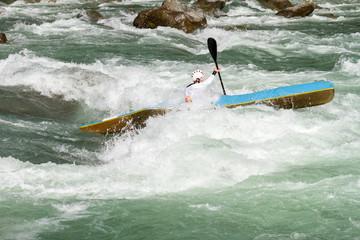 Fototapete - rapide in canoa