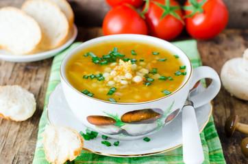 Lentil soup and mushrooms