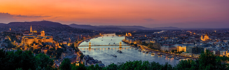 Poster Budapest Panoramic view over the budapest at sunset