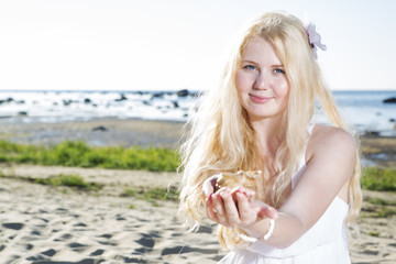 Young woman share view of clam