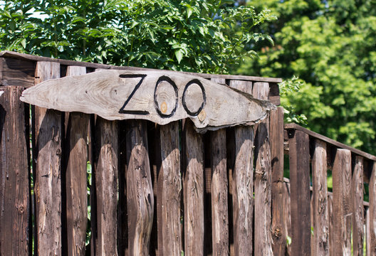 Zoo sign on a wooden board