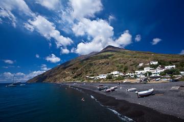 settlement on volcano