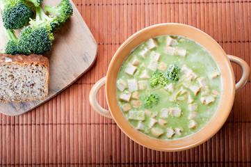 Healthy spring broccoli soup
