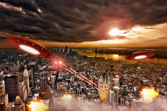 Space Aliens Attack on a city