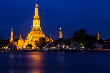 Twilight of Wat Arun Buddhist religious places of importance to