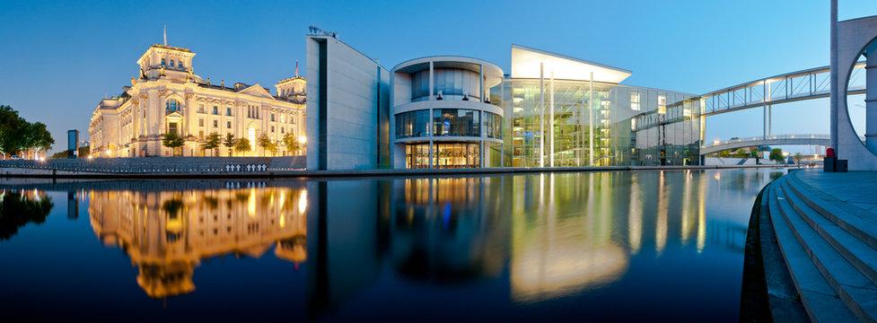 Berlin Panorama Reichstag and Reichstagufer