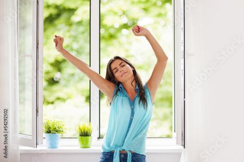 Девушки и женщины дышут своим воздухом и потеют дома  89493