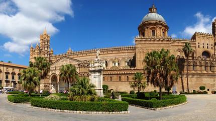 La pose en embrasure Palerme Palermo Cathedral, Sicily, Italy,