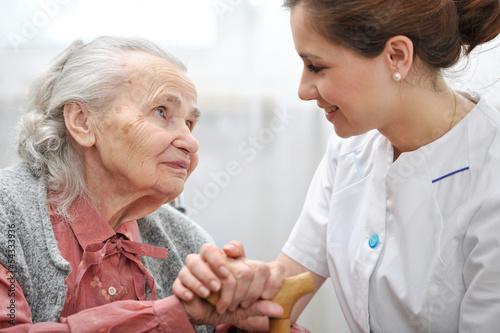 Частные фото пожилых женщин