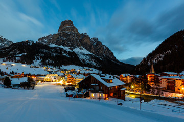 Fotomurales - Ski Resort of Corvara at Night, Alta Badia, Dolomites Alps, Ital